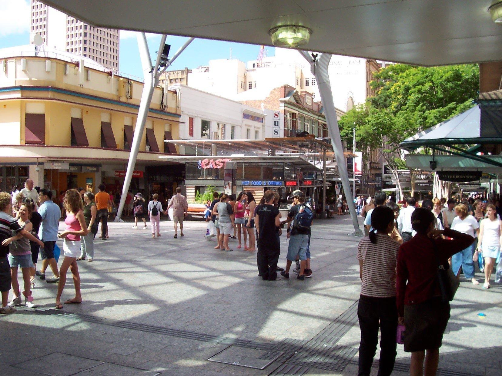 Queen st mall Brisbane- Queen st mall shops