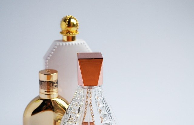 How to Score the Best Women's Perfume Online