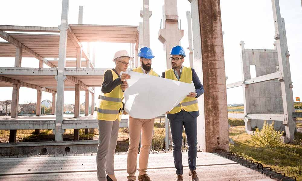 5 Essential Tips to Land a Career in Construction