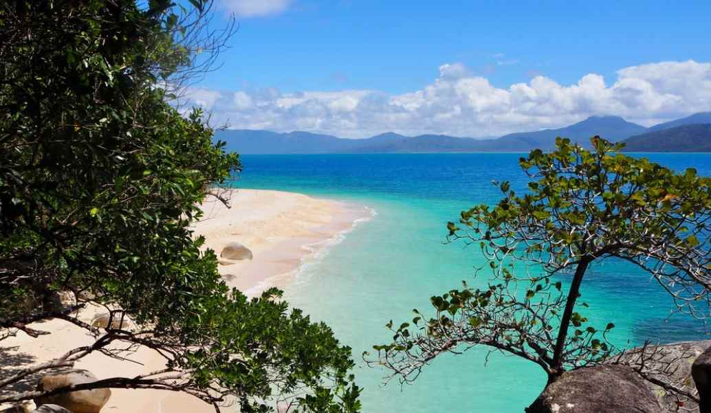 6 Breathtaking Queensland Destinations To See By Kayak
