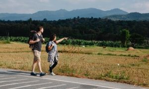Top 4 Essential Safety Tips for Travelling Outside