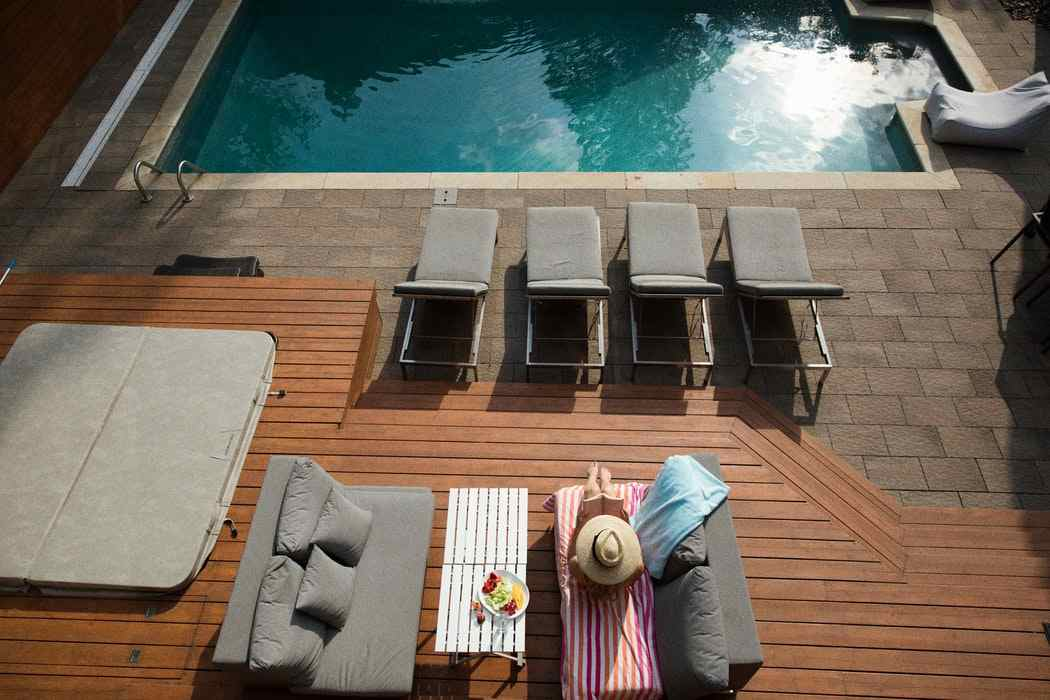 How to keep your wooden deck cool in the summers
